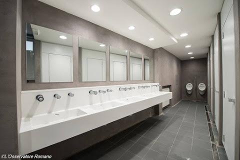 las duchas funcionarn diariamente a excepcin de los mircoles de audiencia general o cuando sean realizadas grandes en la plaza san pedro o