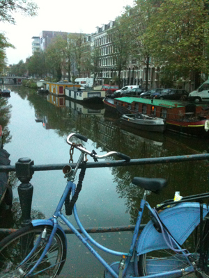 Amsterdam - canal and bike